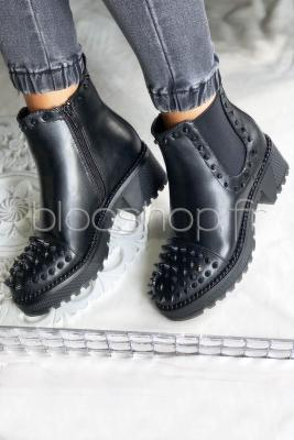 Boot's Clous Femme Noir / Réf : RXJ29