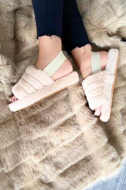 Woman Slippers Beige