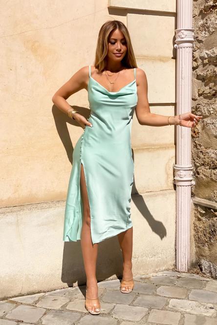 Robe Femme Fendue Satinée Vert Clair / Réf : 3305-17