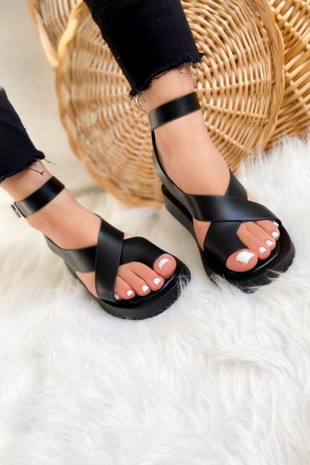 Sandales Femme Croisées Noir / Réf : NN130-0